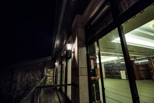 温泉棟ハウス撮影スタジオ night (3)