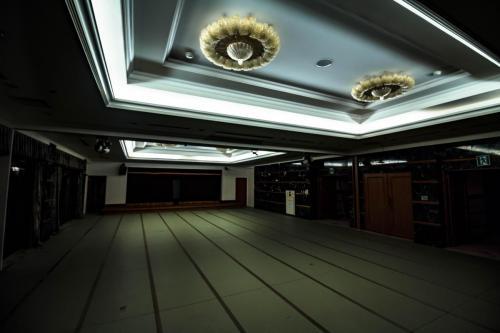 温泉棟ハウス撮影スタジオ night (4)